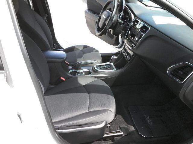 2014 Chrysler 200 San Antonio, Texas 9