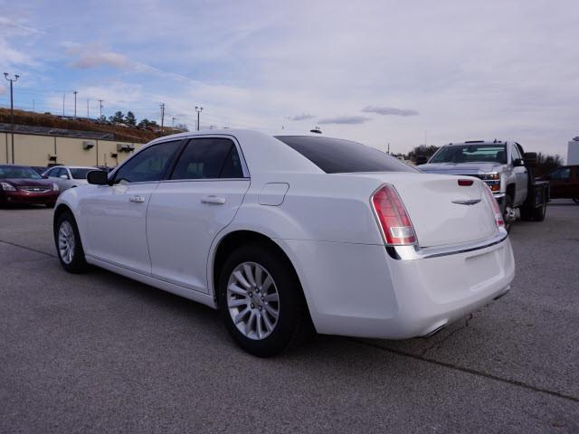 2014 Chrysler 300 Base Harrison, Arkansas 1