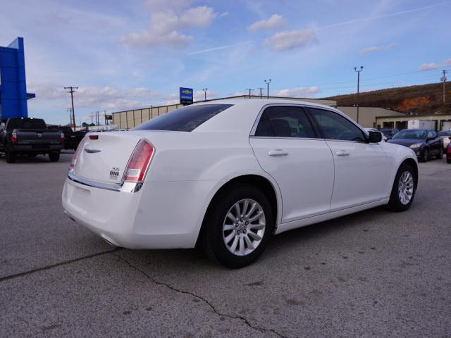 2014 Chrysler 300 Base Harrison, Arkansas 2