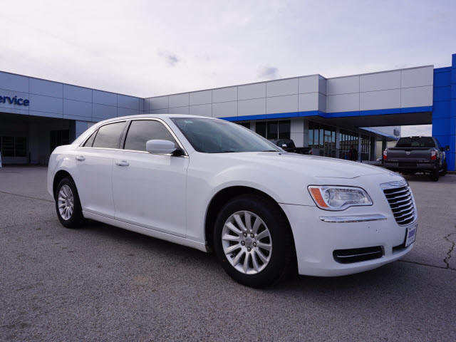 2014 Chrysler 300 Base Harrison, Arkansas 3