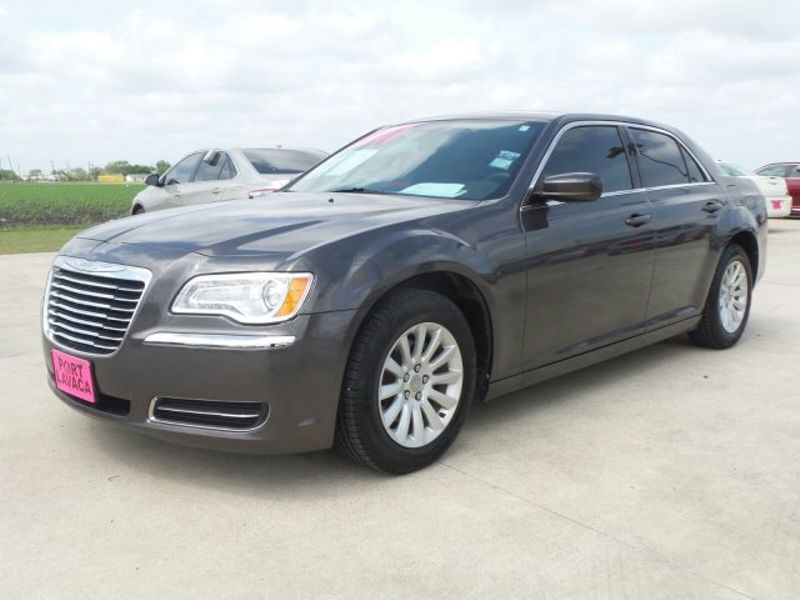2014 Chrysler 300 BASE   Texas  Victoria Certified  in , Texas