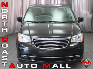2014 Chrysler Town & Country Touring in Akron, OH