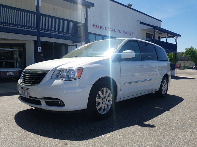 2014 Chrysler Town  Country Touring  VIN 2C4RC1BG2ER317449 79k miles  CD Player Anti-Theft A