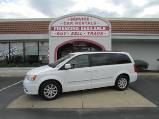 2014 Chrysler Town & Country Touring Fremont, Ohio