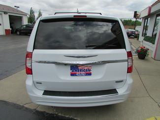 2014 Chrysler Town & Country Touring Fremont, Ohio 1