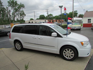 2014 Chrysler Town & Country Touring Fremont, Ohio 2