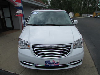 2014 Chrysler Town & Country Touring Fremont, Ohio 3