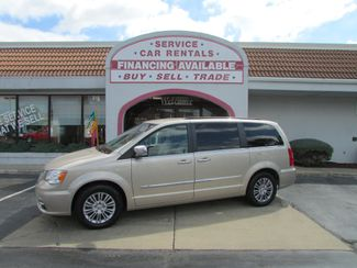 2014 Chrysler Town & Country Touring-L Fremont, Ohio