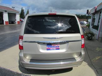 2014 Chrysler Town & Country Touring-L Fremont, Ohio 1