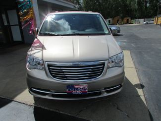 2014 Chrysler Town & Country Touring-L Fremont, Ohio 3