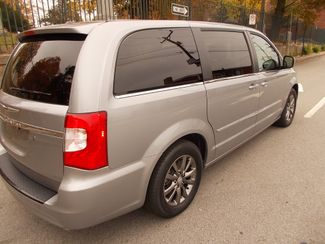 2014 Chrysler Town & Country S Manchester, NH 4