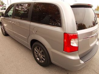 2014 Chrysler Town & Country S Manchester, NH 6