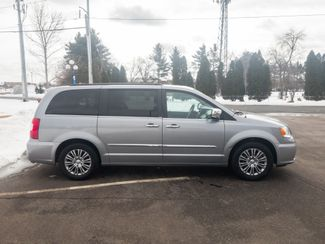 2014 Chrysler Town & Country Touring-L with a 6 month 6000 miles warranty Maple Grove, Minnesota 9