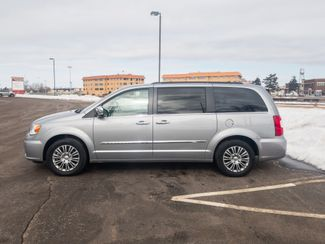 2014 Chrysler Town & Country Touring-L with a 6 month 6000 miles warranty Maple Grove, Minnesota 8
