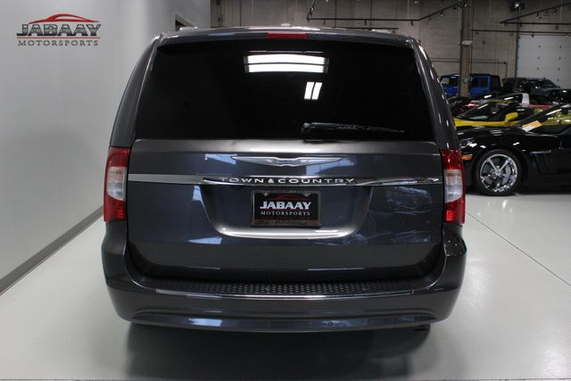 2014 Chrysler Town & Country Touring-L 30th Anniversary Merrillville, Indiana 3