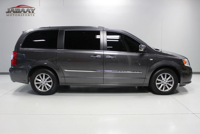 2014 Chrysler Town & Country Touring-L 30th Anniversary Merrillville, Indiana 5