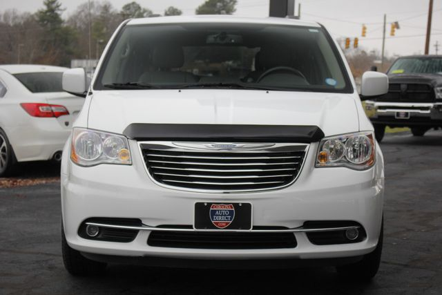2014 Chrysler Town & Country Touring FWD - REAR DVD Mooresville , NC 16