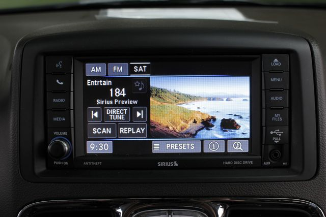 2014 Chrysler Town & Country Touring FWD - REAR DVD Mooresville , NC 4