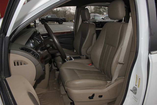 2014 Chrysler Town & Country Touring FWD - REAR DVD Mooresville , NC 8