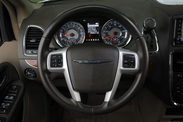 2014 Chrysler Town & Country Touring FWD - REAR DVD Mooresville , NC 6