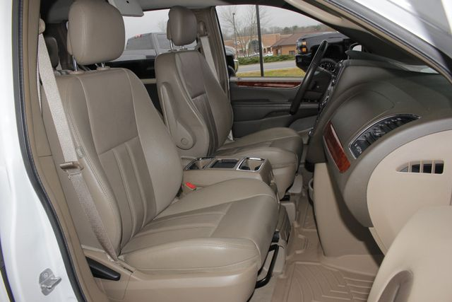 2014 Chrysler Town & Country Touring FWD - REAR DVD Mooresville , NC 13