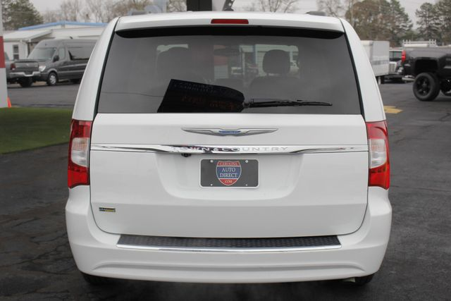 2014 Chrysler Town & Country Touring FWD - REAR DVD Mooresville , NC 17