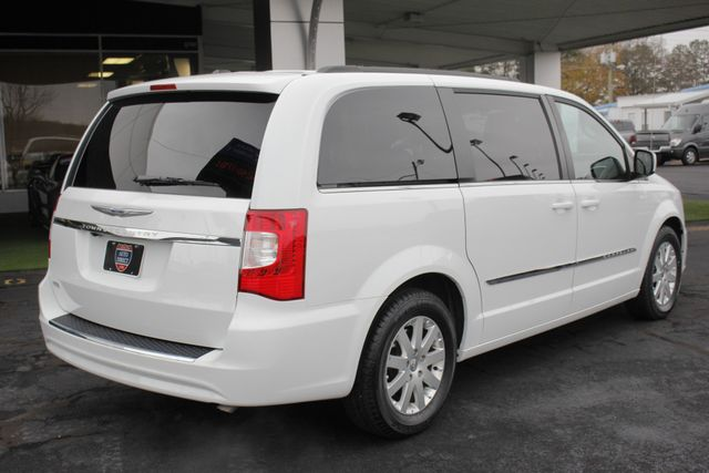 2014 Chrysler Town & Country Touring FWD - REAR DVD Mooresville , NC 22