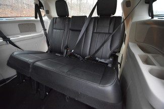 2014 Chrysler Town & Country Touring-L Naugatuck, Connecticut 10