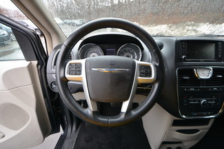 2014 Chrysler Town & Country Touring-L Naugatuck, Connecticut 14