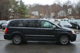 2014 Chrysler Town & Country Touring-L Naugatuck, Connecticut 5