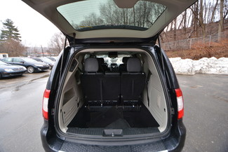2014 Chrysler Town & Country Touring-L Naugatuck, Connecticut 9
