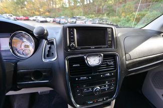 2014 Chrysler Town & Country Touring Naugatuck, Connecticut 21