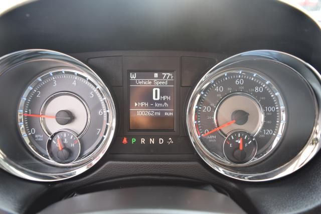 2014 Chrysler Town & Country Touring Richmond Hill, New York 14