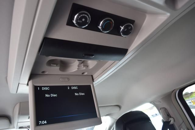 2014 Chrysler Town & Country Touring Richmond Hill, New York 8