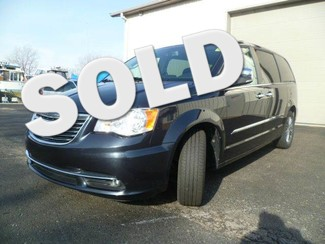 2014 Chrysler Town & Country Touring-L Roscoe, Illinois