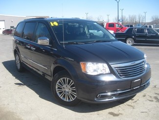 2014 Chrysler Town & Country Touring-L in  .