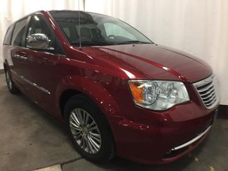 2014 Chrysler Town & Country in Victoria, MN