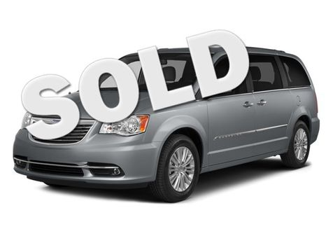 2014 Chrysler Town & Country Touring in