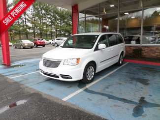 2014 Chrysler Town & Country in WATERBURY, CT