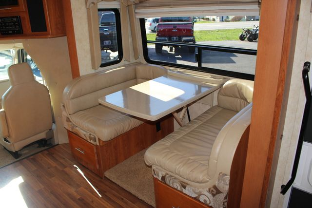 2011 Coachmen Concord 300 TS - LESS THAN 7K MILES! Mooresville , NC 51