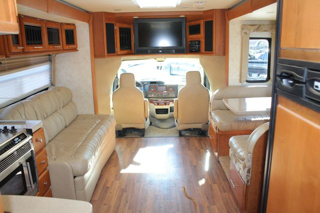 2011 Coachmen Concord 300 TS - LESS THAN 7K MILES! Mooresville , NC 4