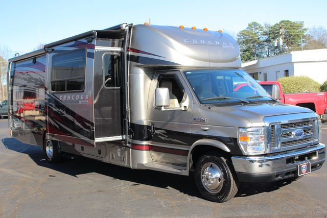 2011 Coachmen Concord 300 TS - LESS THAN 7K MILES! Mooresville , NC 34