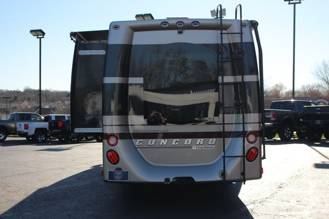 2011 Coachmen Concord 300 TS - LESS THAN 7K MILES! Mooresville , NC 27