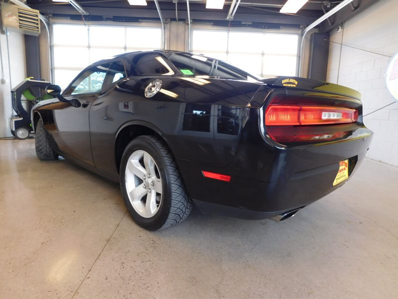 2014 Dodge Challenger RT  city TN  Doug Justus Auto Center Inc  in Airport Motor Mile ( Metro Knoxville ), TN
