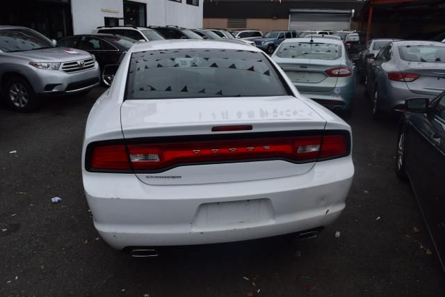 2014 Dodge Charger SE Richmond Hill, New York 3