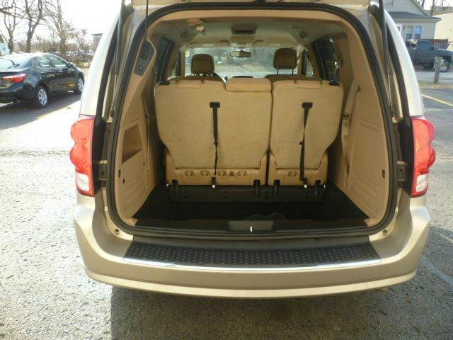 2014 Dodge Grand Caravan SXT Roscoe, Illinois 5