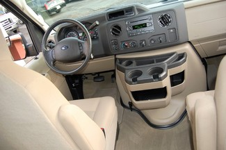 2014 Ford 15 Pass XLT Charlotte, North Carolina 11