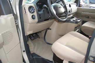 2014 Ford 15 Pass XLT Charlotte, North Carolina 4