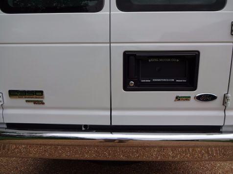2014 Ford E-Series Wagon XLT | Marion, Arkansas | King Motor Company in Marion, Arkansas