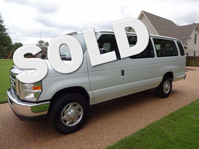 2014 Ford E-Series Wagon XLT | Marion, Arkansas | King Motor Company